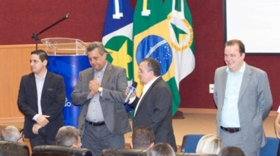 Vereadores do Araguaia e Xingu cobram governador repasses da saúde